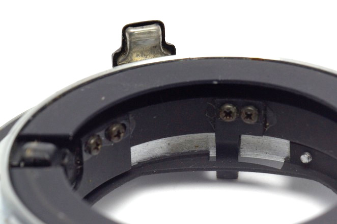 Automatic aperture control mechanism on Adaptallo2 – Nikon F adapter