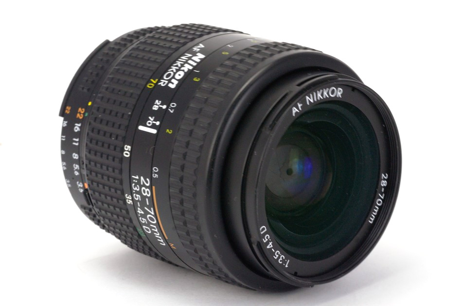 Nikon AF Nikkor 28-70mm 1:3.5-4.5D Review