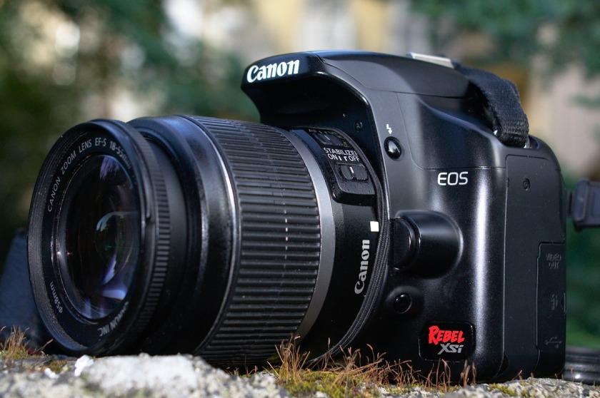 Canon EOS DIGITAL REBEL XSi / Canon EOS 450D. Review